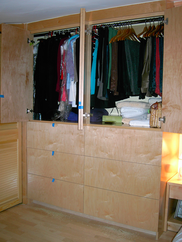 Building New Walk & Reach In Custom Closets: Clothes Bedroom Storage ...